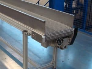 Belt conveyor drive by indirect gear