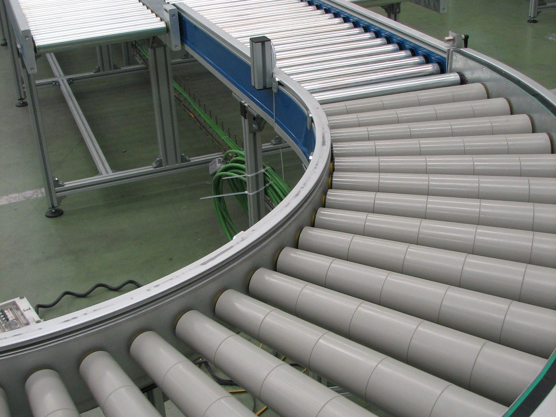 Roller Conveyor - Nikai Systems