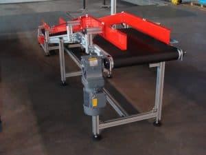 Belt conveyor with inflexion